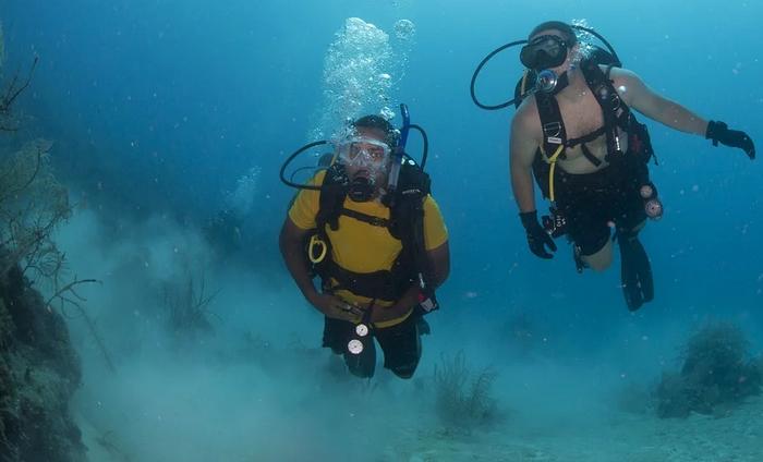 Resort coarse scuba dive