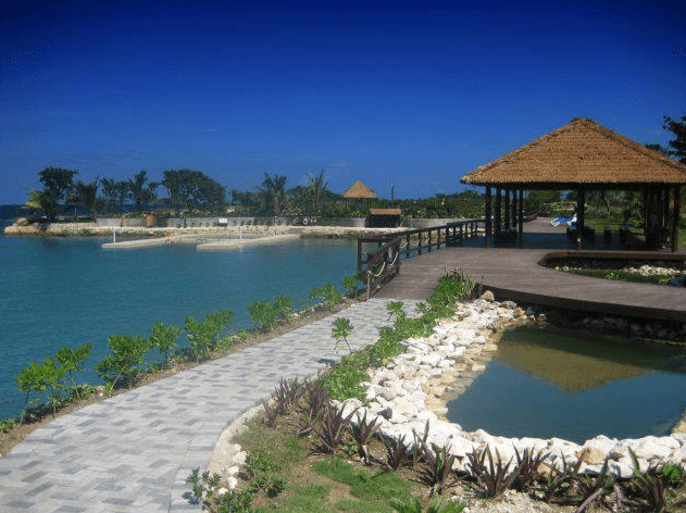 Pristine Dolphin facility in Jamaica